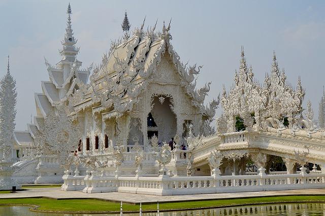 chiang-rai temples thailand