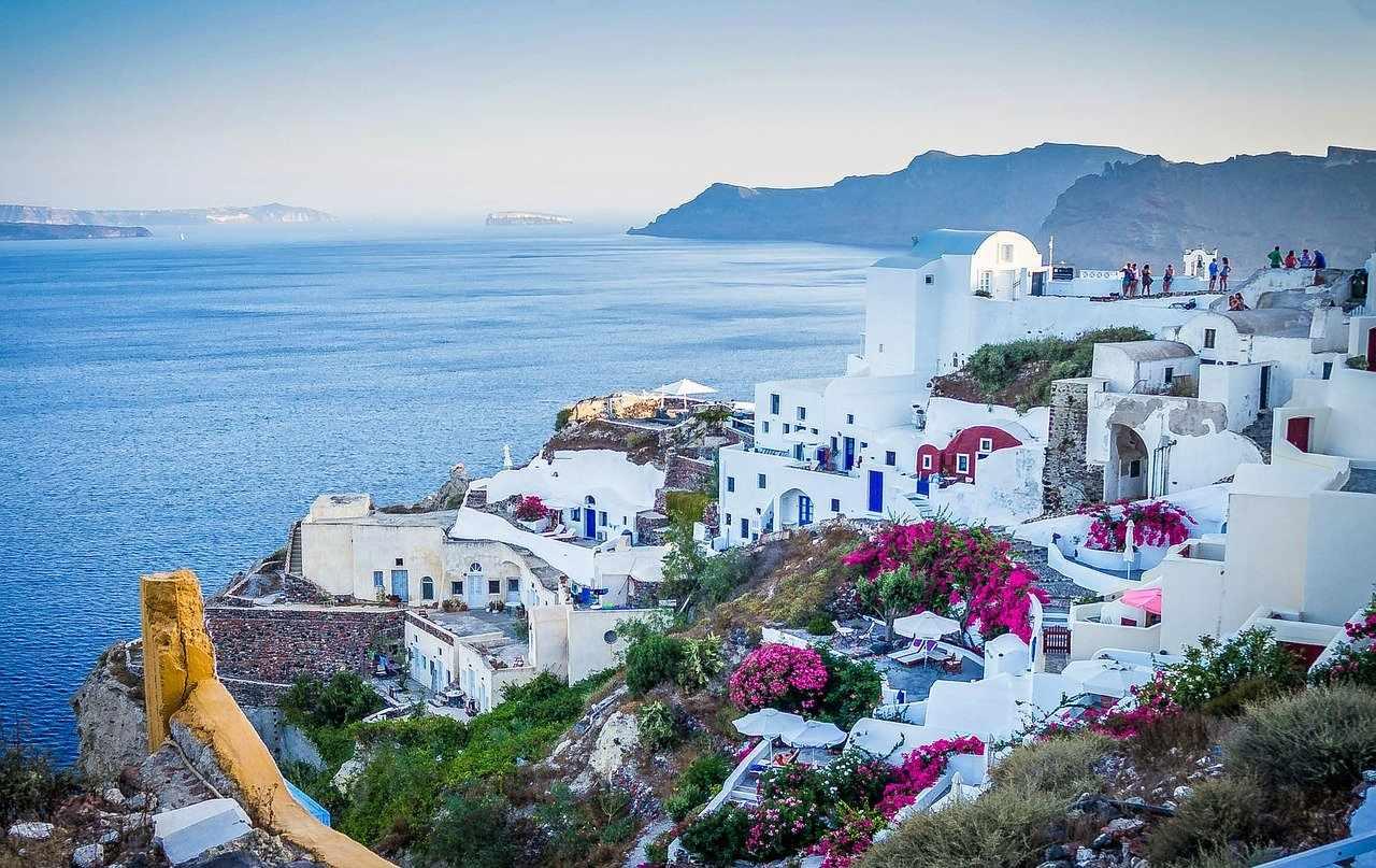 Santorini Luxury hotels greece