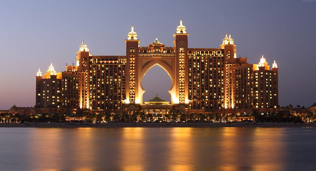 atlantis palm dubai night