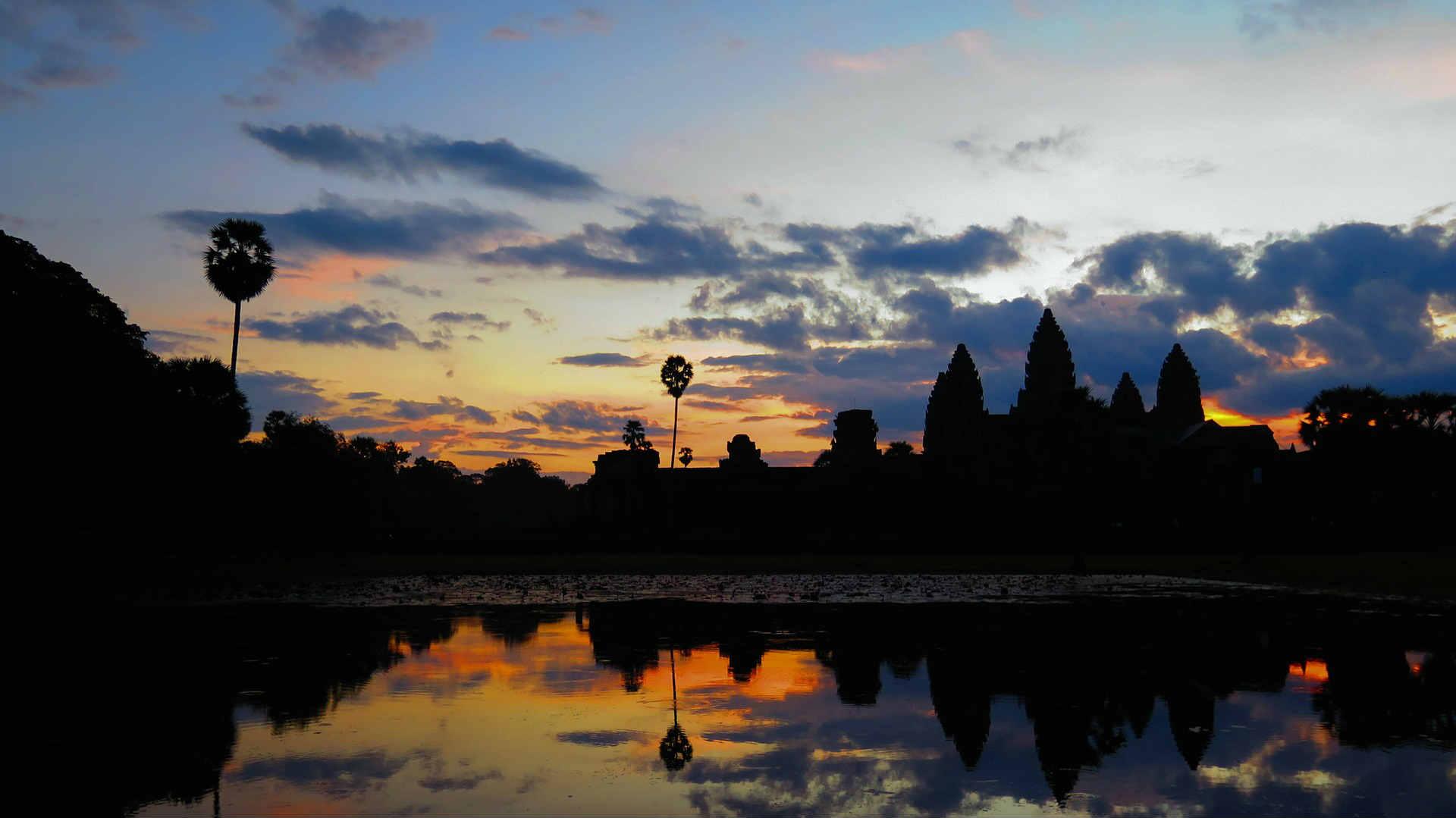 cambodia-Angkor Wat Sunset