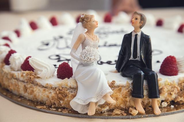 Divorce Parties wedding cake