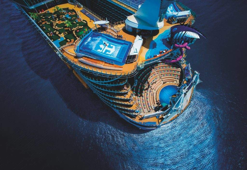 symphany of the seas largest cruise ship